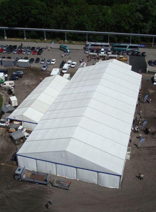 25m Zelt mit Anbau in weiß