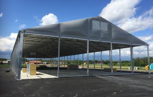 Aufbau: Dach + Giebelverkleidung mit Thermodachplanen