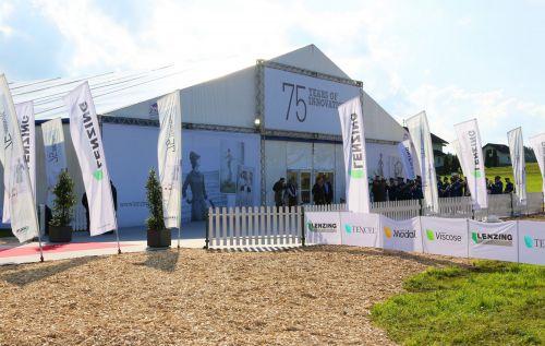 30m Zelt mit Eingangsbogen