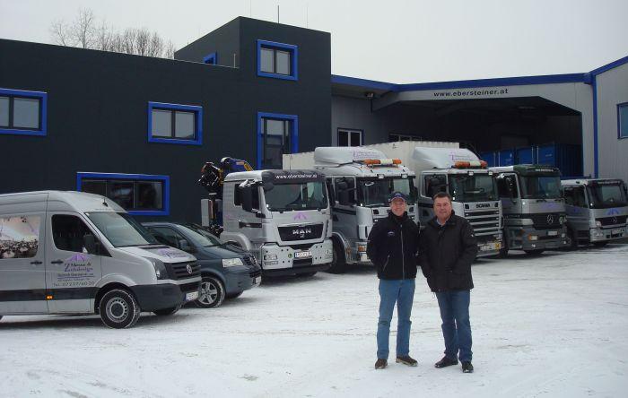 Markus und Heinrich samt Fuhrpark